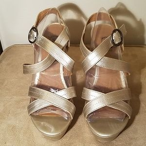 GOLD - CRISS CROSS STRAP WEDGES